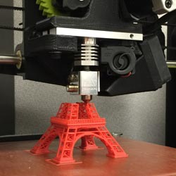 learn with our courses about 3d-printers and 3d printing